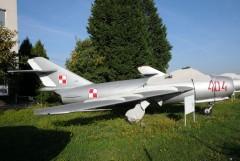 Mikoyan Gurevich MiG-17 (Lim-6bis) 404