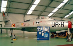 Republic F-84F Thunderstreak FU-52 UR-H
