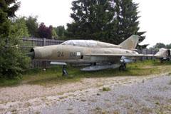Mikoyan Gurevich MiG-21US 24+04