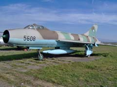 Sukhoi Su-7BM 5608