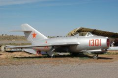 Mikoyan-Gurevich MiG-15/LIM-2 1301 Sovjet Air Force, Planes of Fame Air Museum, Grand Canyon Valle Airport, AZ