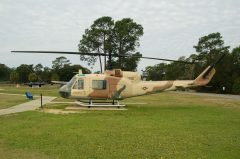 Bell UH-1B Iroquois 66-15186 ET USAF, U.S. Air Force Armanent Museum