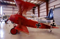 Fokker Dr.1 Drei-Decker N6404Q 425 17 Luftwaffe, Valiant Air Command Warbird Museum, Titusville, FL