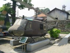 Bell UH-1H Iroquois 15753 United States Army,  War Remnants Museum Bảo tàng Chứng tích Chiến tranh