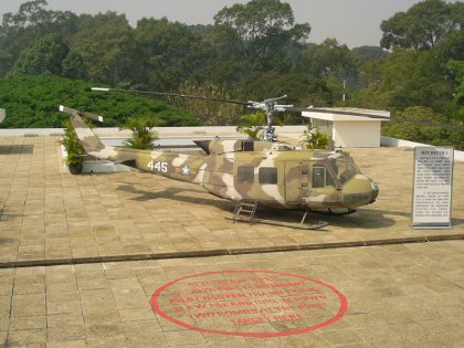 Bell UH-1H Iroquois 69-15445 US Army, The Independence Palace Dinh Độc Lập