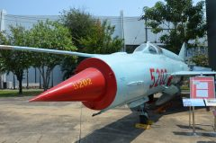 Mikoyan Gurevich MiG-21bis 5202 Vietnam Air Force, Royal Thai Air Force Museum Les Spearman