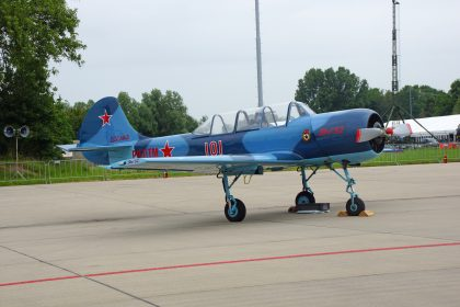 Yakovlev Yak-52 PH-DTM 101 Dutch Thunder Yaks