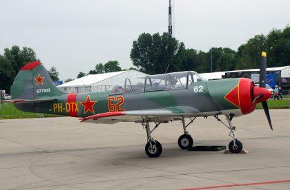 Yakovlev Yak-52 PH-DTX 877803 62 Dutch Thunder Yaks