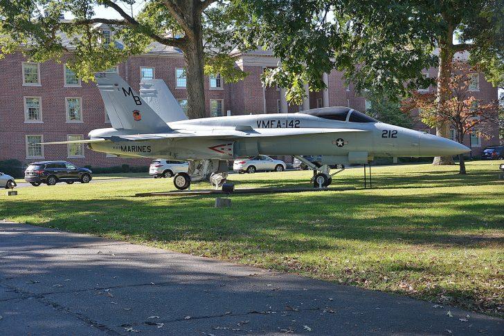 McDonnell-Douglas F/A-18A Hornet 163119/MB-212 USMC,
