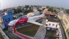 Fokker 100 9N-AHG,