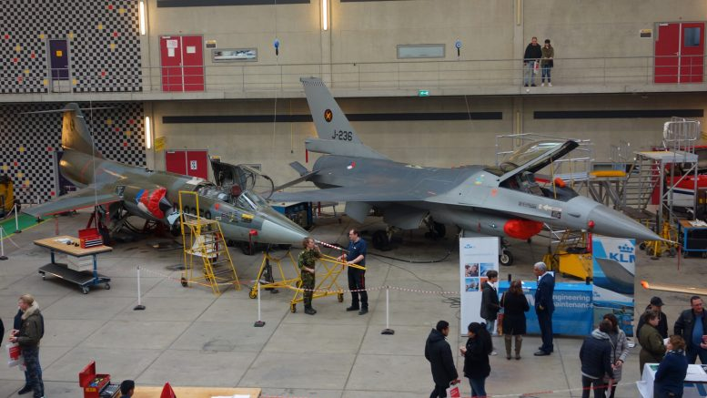 F-104G F-16A ROC van Amsterdam - MBO College Airport, Hoofddorp