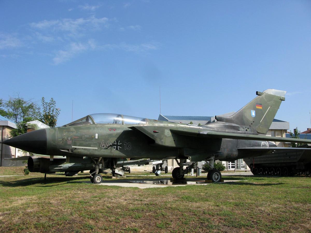 44 13 Panavia Tornado Ids Voenno Istoricheski Muzei
