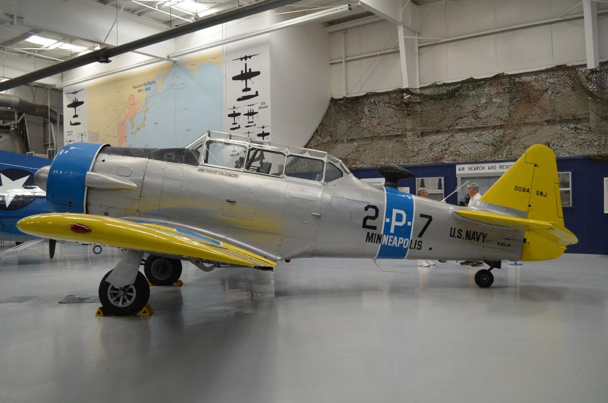 N85JR 0084 2 P 7North American SNJ 6 Texan Palm Springs Air Museum